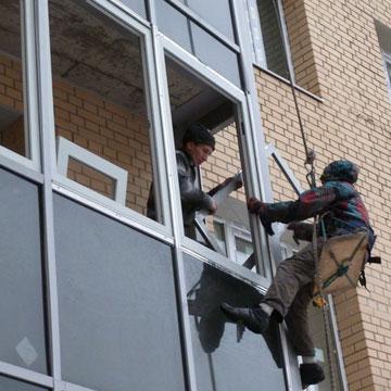 Замовити вікна скління лоджій балконів у Києві.