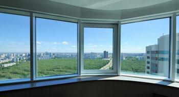 Остеклить выносной балкон – практичное решение для расширения пространства