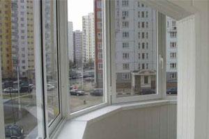 Засклити виносний балкон - практичне рішення для розширення простору