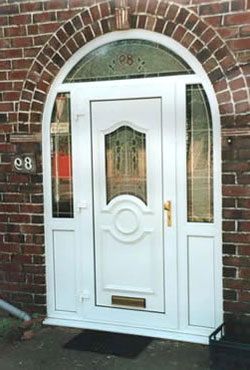 Металопластикові двері в Києві - особливості вибору для дому