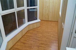 Балкон під ключ: вигода від монтажу - до оздоблення